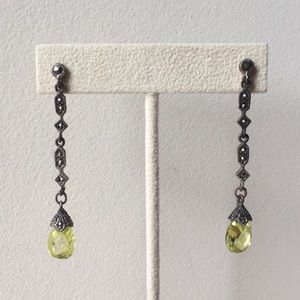 Jewelry - Hematite and green Drop Earrings